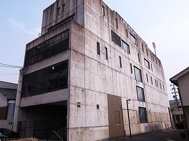 Dビル打ち放しコンクリート改修工事 K2C Masters提供施工例