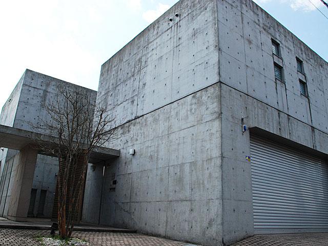 Y様邸打ち放しコンクリート改修工事 K2C Masters提供施工例